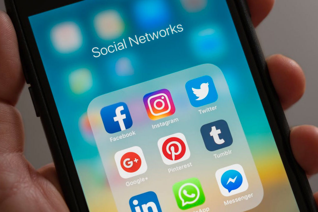 Social Media: Facebook, Twitter and Instagram Compared